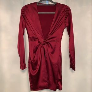 Burgundy short long sleeve dress